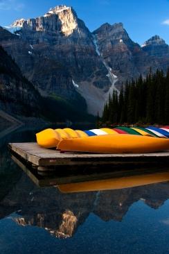 Kayaks on Morraine Lake 2